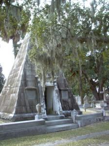 Magnolia Cemetery, pyramid tomb